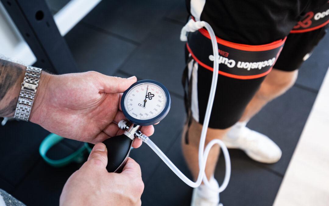 Okklusionstræning som behandling af springerknæ